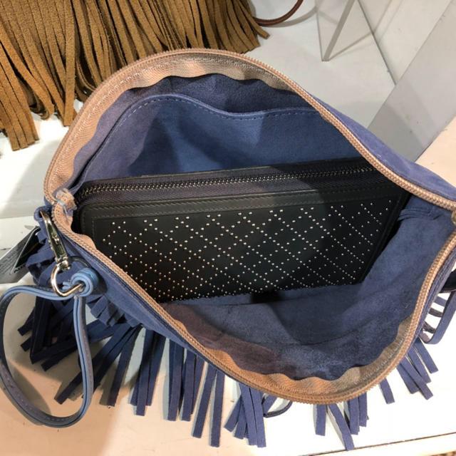 UGG(アグ)のUGG レディースのバッグ(クラッチバッグ)の商品写真