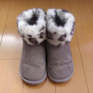 ジーユー(GU)のGU GIRLS ファーブーツ20☆グレー系(ブーツ)