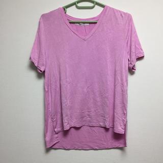 アンレリッシュ(UNRELISH)のUNRELISH美品VネックTシャツMピンク(Tシャツ(半袖/袖なし))