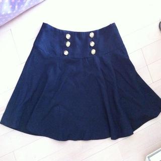 ハニーズ(HONEYS)の*紺色のフレアスカート*(ひざ丈スカート)