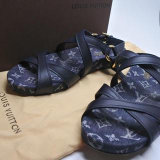 ルイヴィトン(LOUIS VUITTON)のルイヴィトン サンダル デニム 中古 37 1/2 レディース 箱付き 靴 正規(サンダル)
