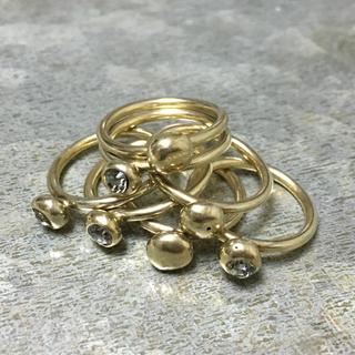 イオッセリアーニ(IOSSELLIANI)のIOSSELLIANI 7連リング ゴールド イオッセリアーニ(リング(指輪))