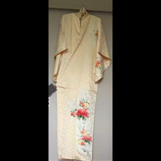 着物 白 ホワイト 花柄 クリーム色 菊 菊紋 ベージュ 梅 結婚式 お呼ばれ(着物)