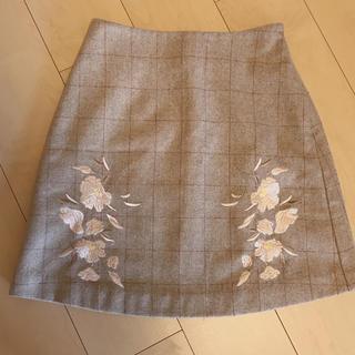 マーキュリーデュオ(MERCURYDUO)のMERCURYDUO 刺繍 スカート(ミニスカート)