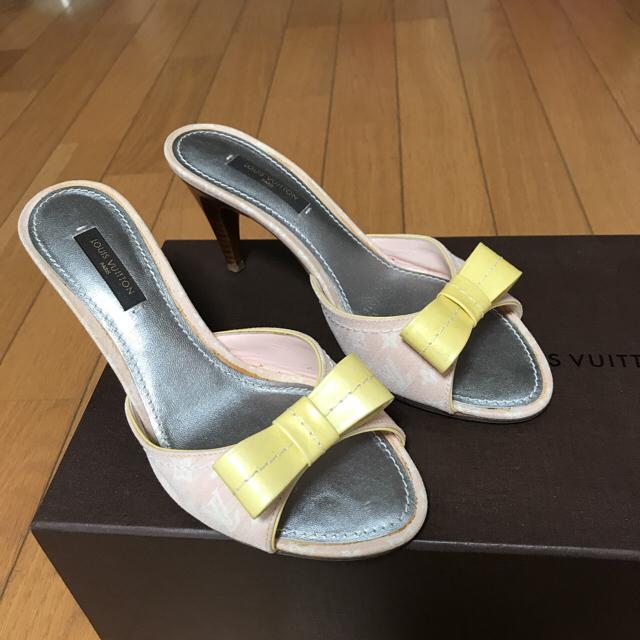 LOUIS VUITTON(ルイヴィトン)のヴィトン  ピンクモノグラム柄サンダル  レディースの靴/シューズ(サンダル)の商品写真