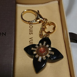 ルイヴィトン(LOUIS VUITTON)の桃の花様専用です❗ヴィトンチャーム(バッグチャーム)