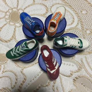 アディダス(adidas)のadidas ペットボトル キャップ 5個セット 非売品(日用品/生活雑貨)