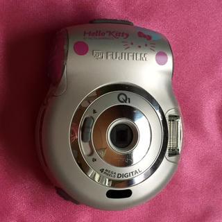 ハローキティ(ハローキティ)のキティちゃんのカメラ(コンパクトデジタルカメラ)