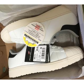 ジチョウドウ(自重堂)の自重堂★安全靴JSAA規格★白レディースサイズ23cm♪(その他)