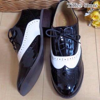 エナメル♡オックスフォードローファー白黒 レディースの靴/シューズ(ローファー/革靴)の