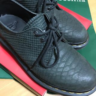 ドクターマーチン(Dr.Martens)のDr.Martens 3ホール 黒 グレー 系 UK4 23.5c クロコダイル(ローファー/革靴)