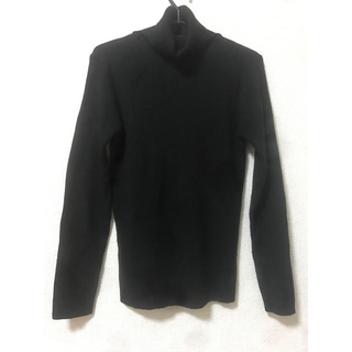 ジーユー(GU)の美品 GU タートルネック ブラック ニット(ニット/セーター)
