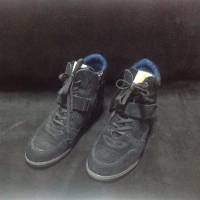 インソール、インヒール スニーカー 黒 レディースの靴/シューズ(スニーカー)の商品写真