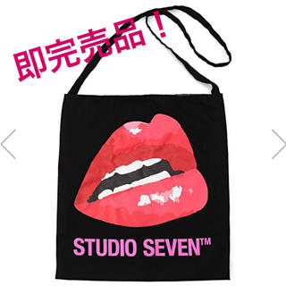 サンダイメジェイソウルブラザーズ(三代目 J Soul Brothers)の7 Colors Lip Sacoche(ショルダーバッグ)