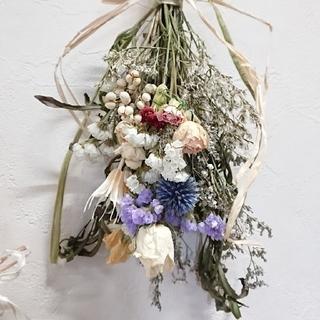 ホワイト薔薇と瑠璃玉スワッグ(ドライフラワー)