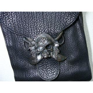 ウーゴカッチャトーリ(Ugo Cacciatori)のウーゴ カッチャトーリ ◆ シルバー 925 レザー ショルダー バッグ 鞄(ショルダーバッグ)