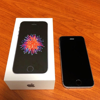 アイフォーン(iPhone)のiPhone SE(スマートフォン本体)
