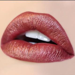 カラーポップ(colourpop)の【美品】本国ベストセラー Ultra metallic lip KWEEN(リップグロス)