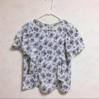 ジーユー(GU)の【未使用】花柄ブラウス(シャツ/ブラウス(半袖/袖なし))