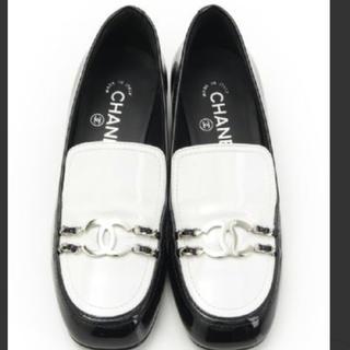 シャネル(CHANEL)の2018 シャネル ダブルチェーン ローファー 新品(ローファー/革靴)