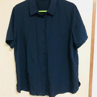 ユニクロ(UNIQLO)のユニクロUNIQLO シャツ ブラウス(シャツ/ブラウス(半袖/袖なし))
