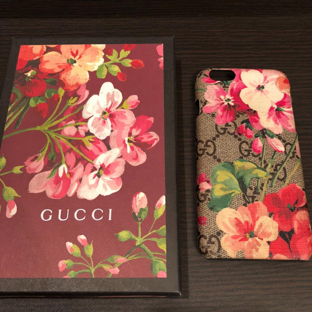 Gucci - GUCCI BLOOM iPhone caseの通販 by M|グッチならラクマ