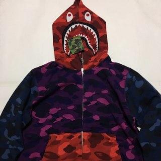 アベイシングエイプ(A BATHING APE)の国内正規品APE 18ss colorcamocrazy shark parka(パーカー)