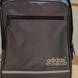 アディダス(adidas)の☆adidasリュック color グレー☆(リュック/バックパック)