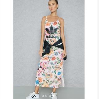 アディダス(adidas)のS アディダス オリジナルス ザファームカンパニー 花柄 マキシワンピ(ロングワンピース/マキシワンピース)