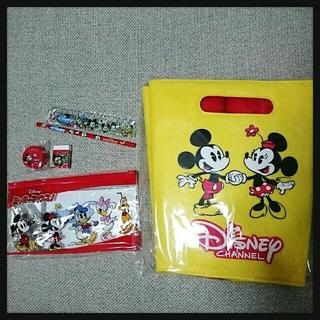 ディズニー(Disney)の【新品】Disney フェルトバスケット&ステーショナリーセット(バスケット/かご)