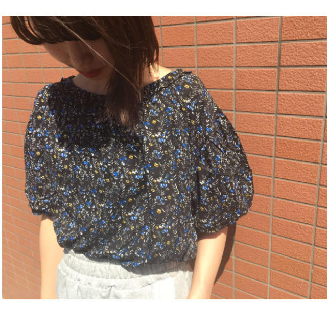 Kastane(カスタネ)の新品♡2WAY花柄ブラウス レディースのトップス(シャツ/ブラウス(半袖/袖なし))の商品写真