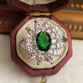 訳あり即購入OKグリーンストーンczダイヤモンドゴージャスシルバーリング指輪(リング(指輪))