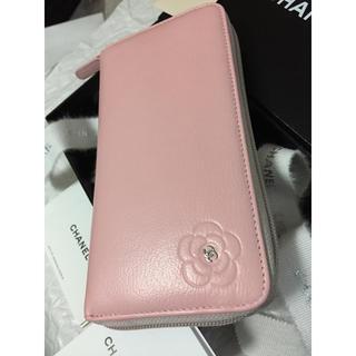 シャネル(CHANEL)の可愛い♡CHANEL長財布✨ワンポイントカメリア🌸ラウンドジップ✨ベビーピンク(財布)
