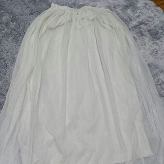 サルース(salus)のホワイト ロングチュールスカート(ロングスカート)