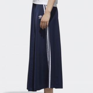 アディダス(adidas)のadidas アディダス オリジナルス L(ロングスカート)