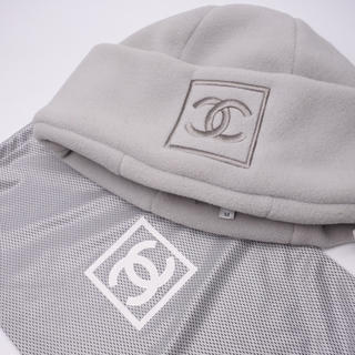 シャネル(CHANEL)の激レア シャネル ニット帽 帽子 CAP キャップ グレー デカロゴマーク 美品(ニット帽/ビーニー)