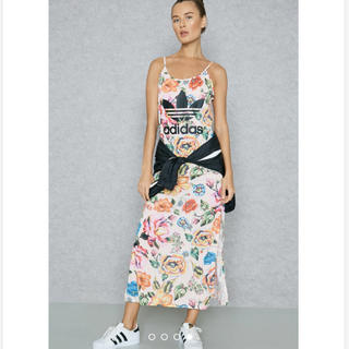 アディダス(adidas)のアディダス オリジナルス 花柄 マキシワンピ(ロングワンピース/マキシワンピース)