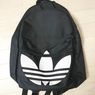 アディダス(adidas)の★未使用・送料込★adidas オリジナルス リュック 黒 白 ロゴマーク (リュック/バックパック)