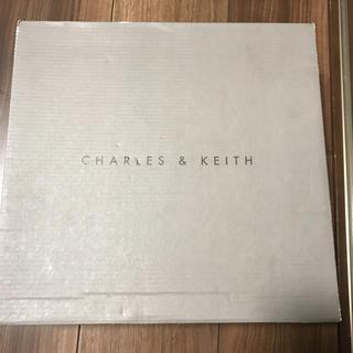 チャールズアンドキース(Charles and Keith)のCHARLES & KEITH のサンダル 新品未使用(サンダル)