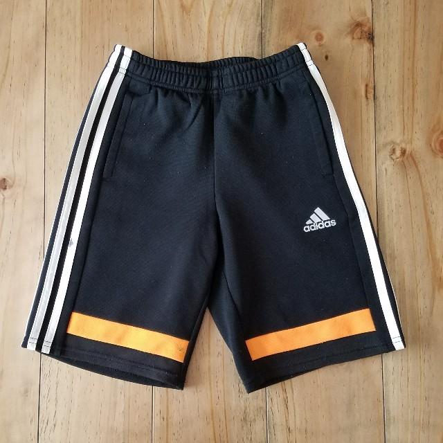 adidas(アディダス)のアディダス 130 ハーフパンツ ジャージ キッズ/ベビー/マタニティのキッズ服 男の子用(90cm~)(パンツ/スパッツ)の商品写真