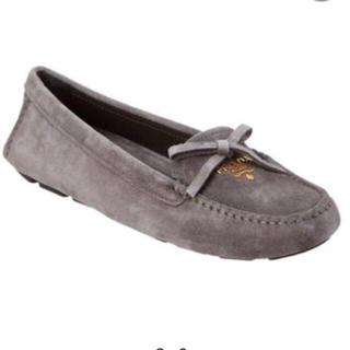 プラダ(PRADA)の最終お値下げ PRADA【未使用に近い】スェードローファー(ローファー/革靴)
