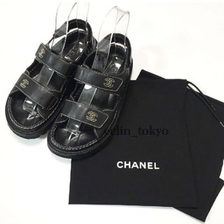 シャネル(CHANEL)のシャネル 大人気 コンフォートサンダル 黒 レザー ココマーク E595(サンダル)