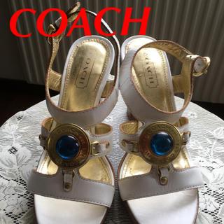 コーチ(COACH)のCOACH サンダル シューズ ホワイト ゴールド S 米購入(サンダル)