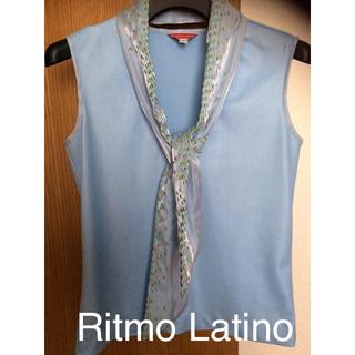 リトモラティーノ(Ritmo Latino)の美品 リトモラティーノ  Ritmo Latino スカーフ付きトップス(カットソー(半袖/袖なし))