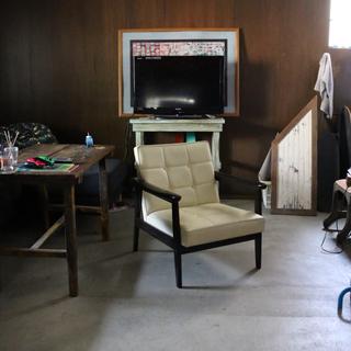 カリモクカグ(カリモク家具)の引取り限定 カリモク60   Kチェア アイボリー(その他)