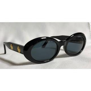 ジャンニヴェルサーチ(Gianni Versace)の正規新古 ヴェルサーチ ヴィンテージ 2連メデューサロゴ×スタッズ サングラス黒(サングラス/メガネ)