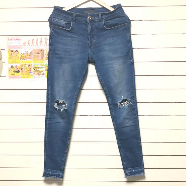 ZARA(ザラ)のZara ダメージジーンズ スキニー メンズのパンツ(デニム/ジーンズ)の商品写真