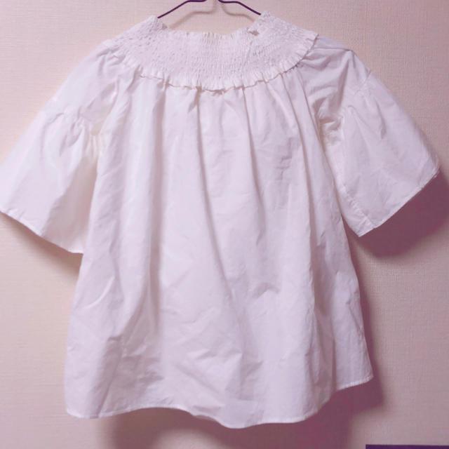ZARA(ザラ)のバックリボン ブラウス ホワイト レディースのトップス(シャツ/ブラウス(半袖/袖なし))の商品写真