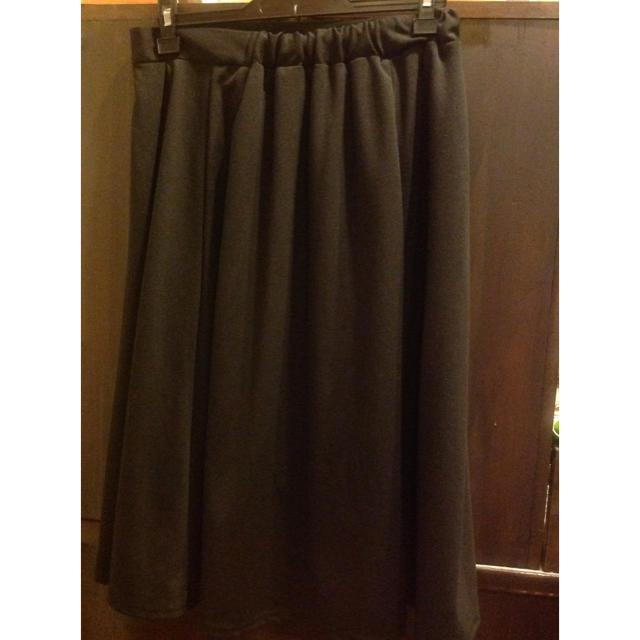 GU(ジーユー)のGU プリーツスカート 黒 XL レディースのスカート(ひざ丈スカート)の商品写真