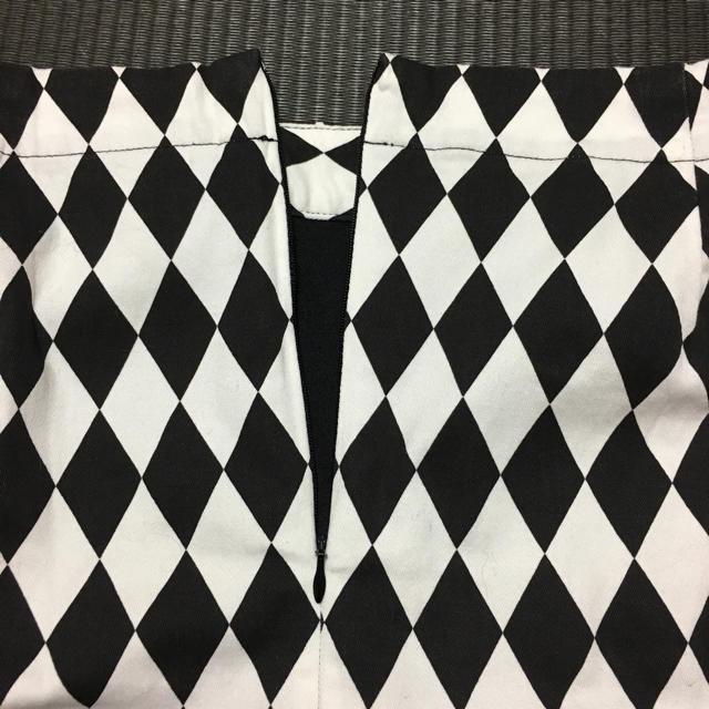 GU(ジーユー)のスカート 白×黒 L レディースのスカート(ミニスカート)の商品写真